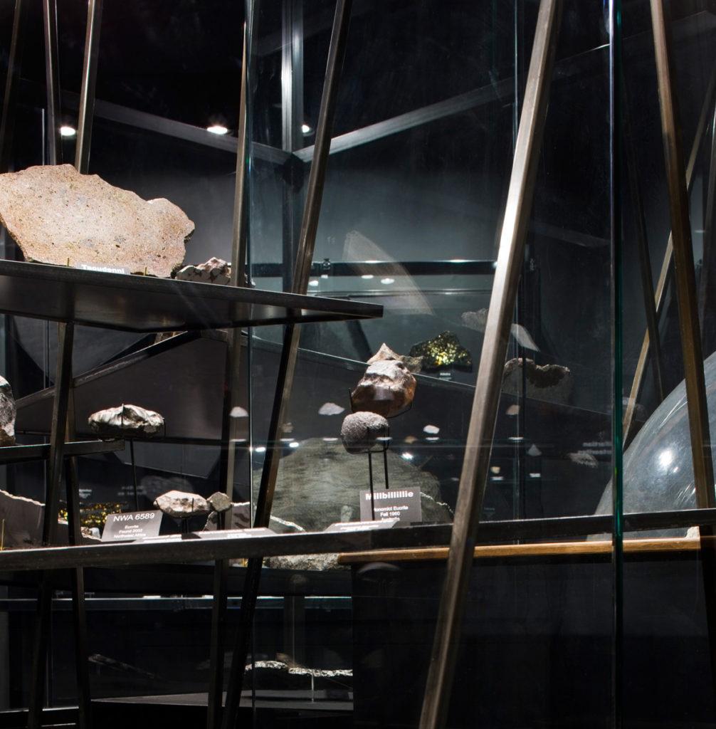 unm-meteorite-32-pc