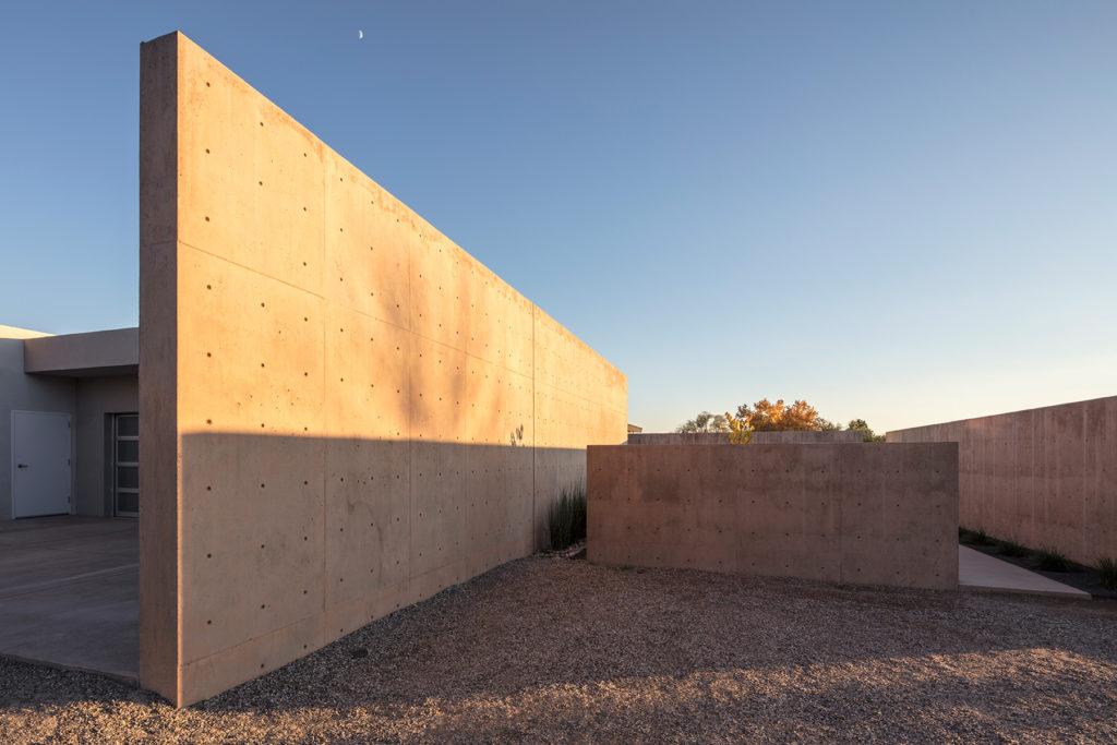 los-ranchos-entrycourtyard-9911-RR